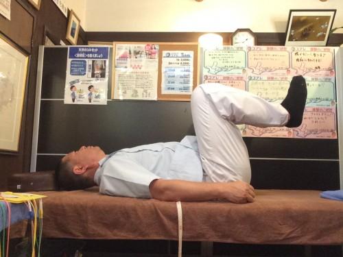 簡単腰痛予防体操その1